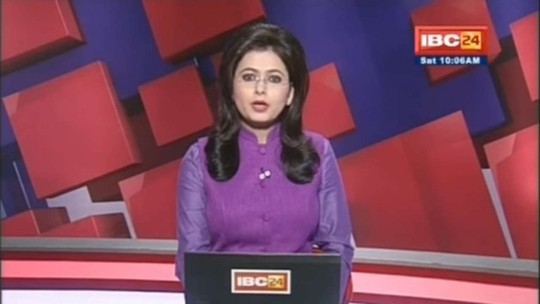 Nữ phát thanh viên Supreet Kaur lúc đọc bản tin về vụ tai nạn khiến chồng mình thiệt mạng. Ảnh: Youtube
