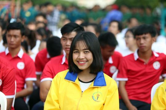 Hơn 5.000 người chạy trong ngày hội vì thể thao