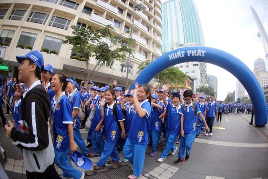Tưng bừng ngày hội ủng hộ SEA Games 29 - Ảnh 3.
