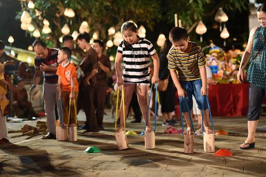 Quán Ăn Ngon phát hành bưu thiếp Thu Vọng Nguyệt quảng bá du lịch - Ảnh 7.