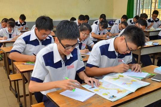 Học sinh tại TP HCM đang ôn thi môn địa lýẢnh: Tấn Thạnh