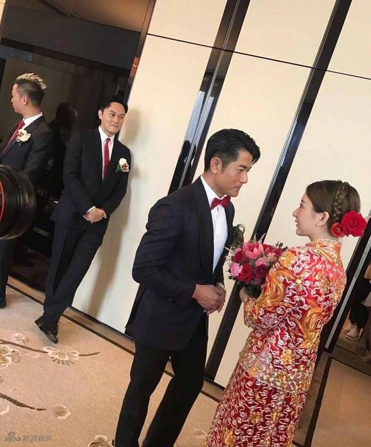 Phú Thành và vợ trong ngày cưới
