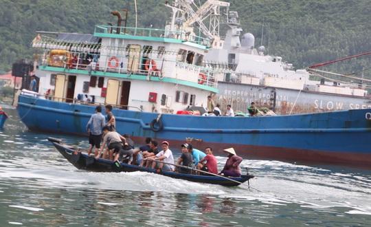 Nguy hiểm đò ngang TP Đà Nẵng - Ảnh 1.