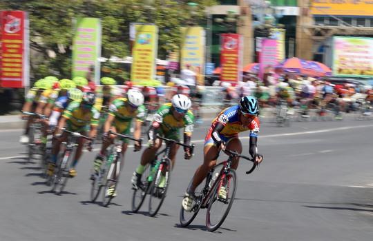 Căng thẳng cuộc đua Áo xanh - Ảnh 7.