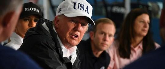 Ông Donald Trump quyên góp 1 triệu USD cứu trợ sau bão Harvey - Ảnh 1.