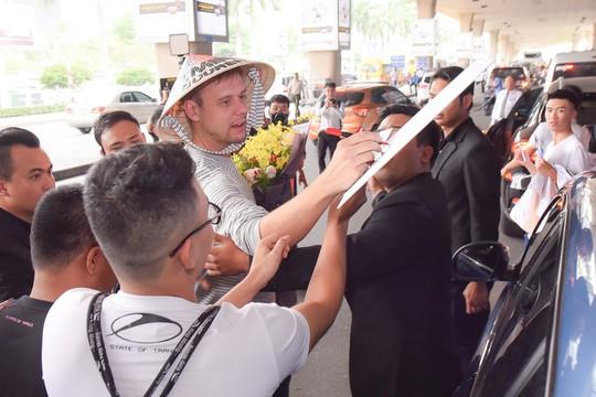 Armin van Buuren đã đến Việt Nam, sẵn sàng cho đêm nhạc Armin van Buuren by VinaPhone - Ảnh 1.
