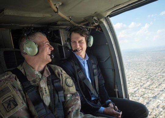 Con rể ông Trump, Jared Kushner (phải). Ảnh: Reuters