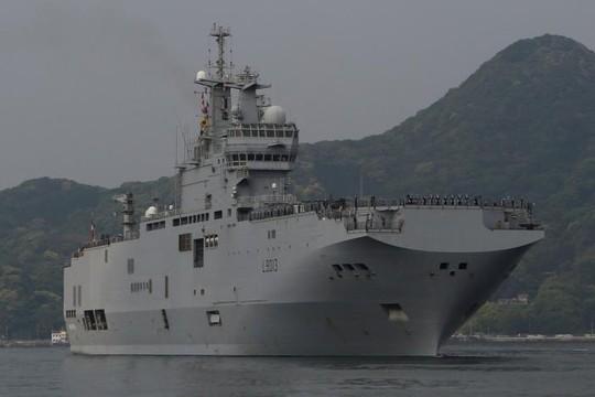 Tàu sân bay The Mistral của Pháp tại căn cứ Sasebo ở Nhật Bản. Ảnh: REUTERS