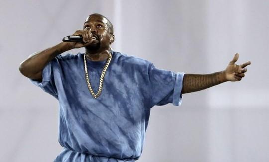 Kanye West kiện công ty bảo hiểm, đòi gần 10 triệu USD - Ảnh 1.