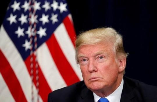 Ông Donald Trump không thăm DMZ, 3 tàu sân bay Mỹ tập hợp - Ảnh 1.