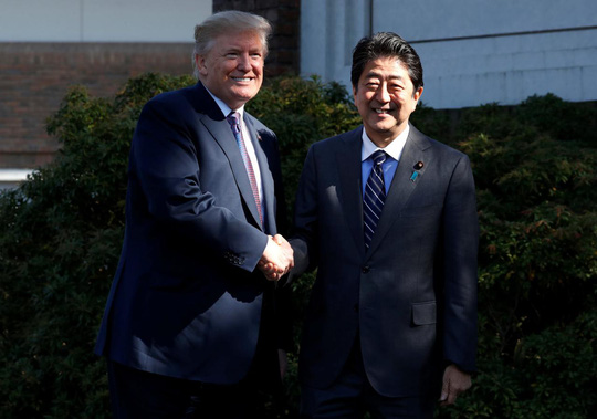 Đến Nhật Bản, ông Donald Trump tuyên bố cứng rắn về Triều Tiên - Ảnh 3.