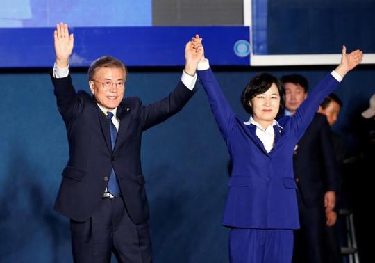 Hàn Quốc yêu cầu Mỹ không chiến tranh với Triều Tiên - Ảnh 1.
