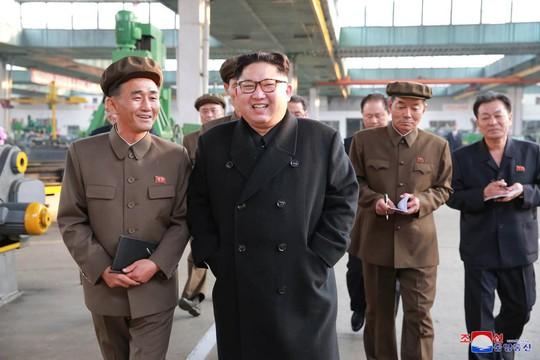 Triều Tiên quyết đóng tàu ngầm mang tên lửa đạn đạo? - Ảnh 1.