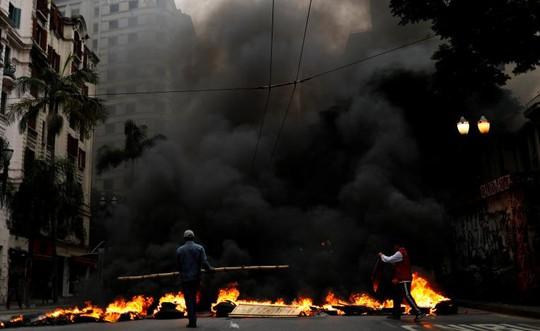 Chính phủ Brazil lập luận rằng cần phải cải cách nếu không muốn hệ thống lương hưu sụp đổ. Ảnh: Reuters