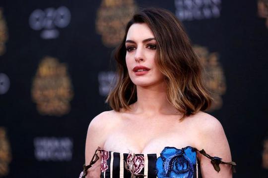 Anne Hathaway sở hữu vẻ đẹp vừa quyến rũ vừa cá tính