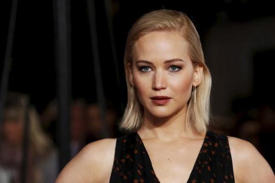 Emma Stone đánh bại Jennifer Lawrence về kiếm tiền - Ảnh 2.