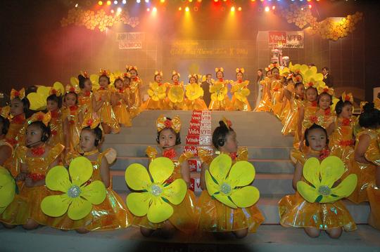Sắc vàng bao trùm Lễ trao Giải Mai Vàng lần thứ 10 - Ảnh 3.