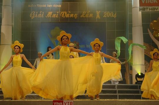 Sắc vàng bao trùm Lễ trao Giải Mai Vàng lần thứ 10 - Ảnh 1.