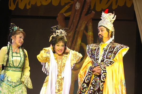 NSND Lệ Thủy, NS Lệ Thu và NSƯT Thanh Sang trong chương trình 50 năm một tình yêu sân khấu