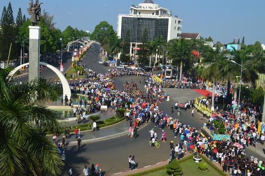 Lễ hội đường phố bắt đầu khởi hành tại ngã 6, TP Buôn Ma Thuột