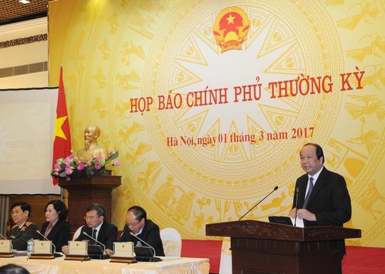 Bộ trưởng, Chủ nhiệm VPCP Mai Tiến Dũng khẳng định Chính phủ sẽ làm rõ việc địa phương được tặng xe với tinh thần rất minh bạch, rất rõ ràng - Ảnh: Bảo Trân
