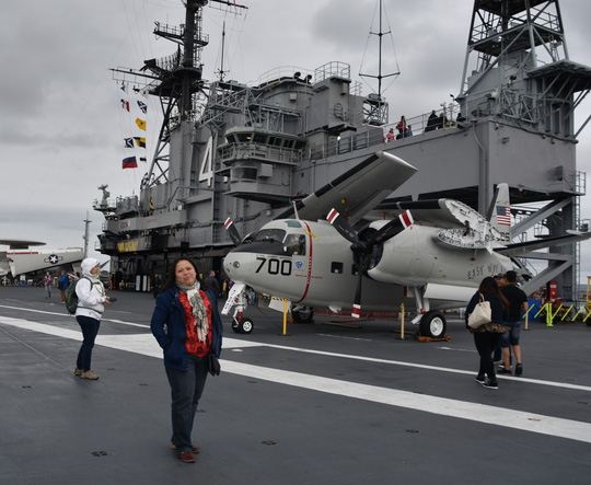 """Hàng không mẫu hạm """"về hưu"""" kiếm 15 triệu USD/năm!"""