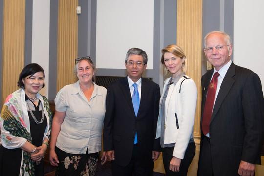 Chiếu phim về nạn nhân da cam Việt Nam tại Thượng viện Mỹ - Ảnh 4.