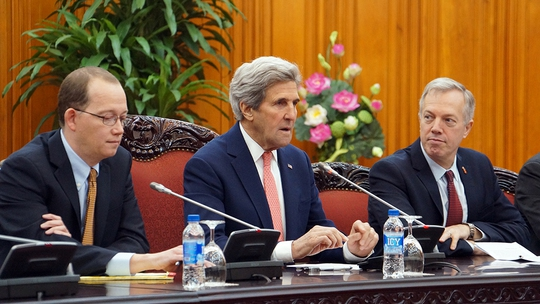 Đại sứ Mỹ tại Việt Nam Ted Osius cho rằng: Chừng nào còn thở, John Kerry còn tiếp tục đóng góp cho quan hệ Việt - Mỹ