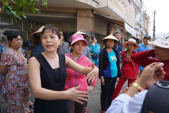 Một tiểu thương phản ánh những bất cập trong việc sắp xếp nơi kinh doanh ở chợ Tân Trụ