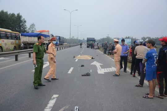Người đàn ông tử nạn trên Quốc lộ 1 - Ảnh 2.
