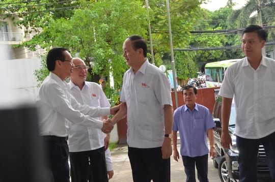 Chủ tịch nước Trần Đại Quang tiếp xúc cử tri TP HCM - Ảnh 2.