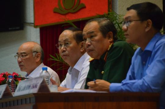 Chủ tịch nước Trần Đại Quang tiếp xúc cử tri TP HCM - Ảnh 4.