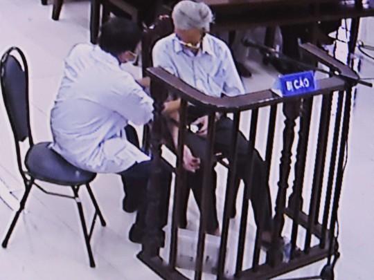 Dâm ô với trẻ em, Nguyễn Khắc Thủy lãnh án 3 năm tù giam - Ảnh 2.