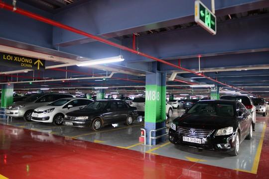 Bãi đậu xe ở sân bay Tân Sơn Nhất vừa được đưa vào sử dụngẢnh: Hoàng Triều