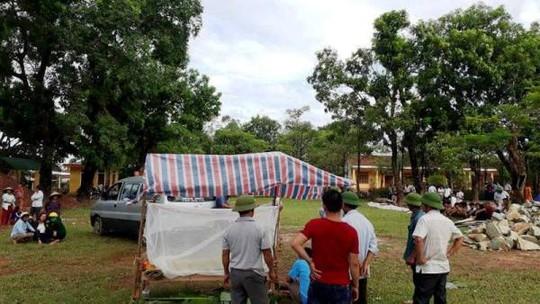 2 anh em ruột chết đuối trong hố công trình trường tiểu học - Ảnh 1.