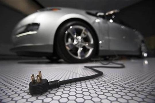 Ô tô điện sẽ khiến nhiều ngành công nghiệp đảo lộn? - Ảnh 1.