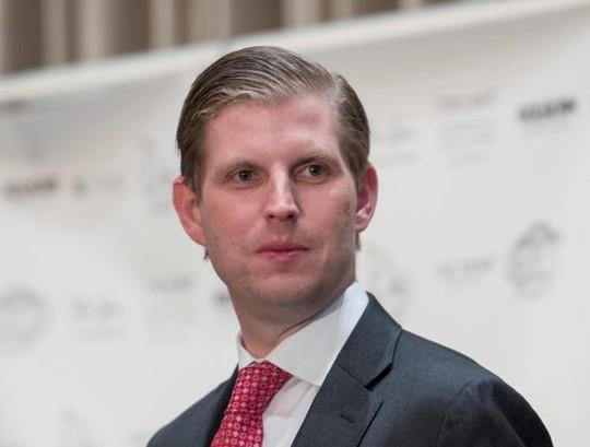 Quỹ từ thiện của con trai Tổng thống Donald Trump bị soi - Ảnh 1.