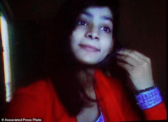 Nạn nhân 18 tuổi Zeenat Rafiq. Ảnh: AP
