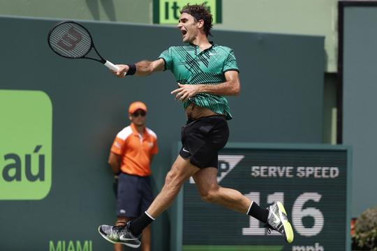 Federer đang là hiện tượng của thể thao thế giới 3 tháng đầu năm 2017 khi thắng 3 giải đấu lớn nhất môn quần vợt Ảnh: REUTERS