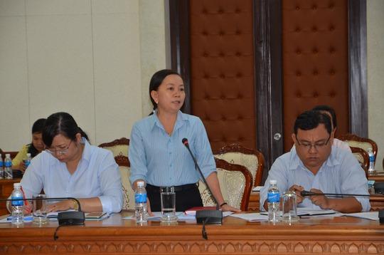 Đại biểu phát biểu tại buổi làm việc sáng 10-3