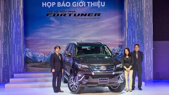 Toyota Fortuner 2017 ra mắt tại TP HCM