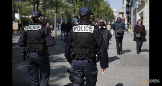 Hơn 50.000 cảnh sát và nhân viên an ninh được điều động để đảm bảo an toàn cho gần 47 triệu cử tri. Ảnh: Reuters