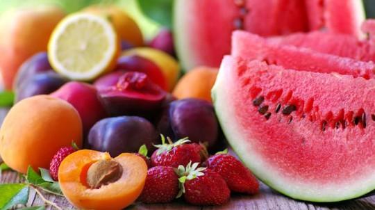 Bạn có đang ăn trái cây theo những cách gây hại sức khỏe? - Ảnh 1.