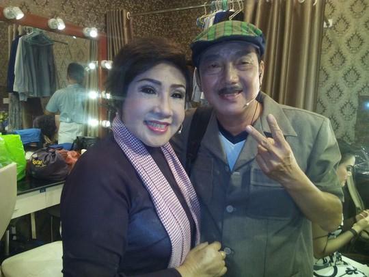 Nghệ sĩ sân khấu thương tiếc NS hài Khánh Nam - Ảnh 4.