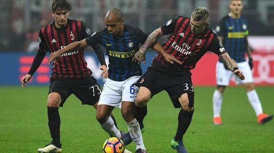 Derby thành Milan là trận cầu đáng chú ý nhất của vòng 32 Serie A