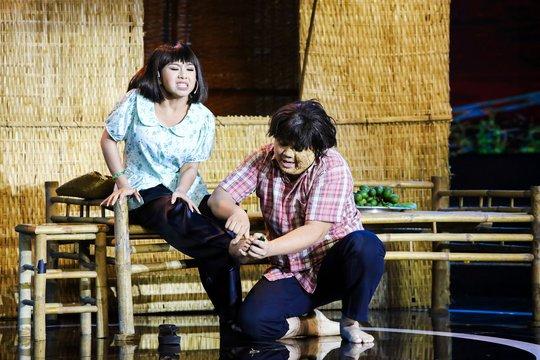 Khoảnh khắc xúc động nghẹn ngào của gia đình Lê Nguyễn Trường Giang - Ảnh 3.