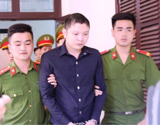 """Bị cáo Nguyễn Văn Tiến bị truy tố 3 tội """"Giết người"""", """"Cướp tài sản"""" và """"Dâm ô trẻ em"""""""