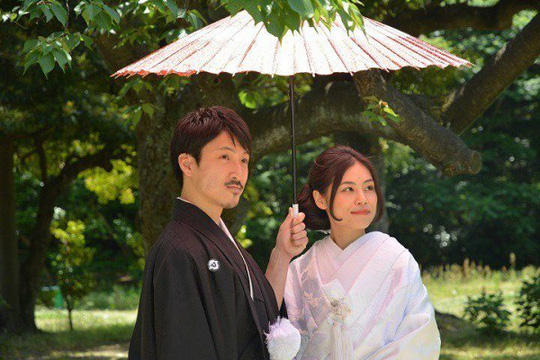 Vì sao người Nhật thích dùng ô trong suốt? - Ảnh 1.