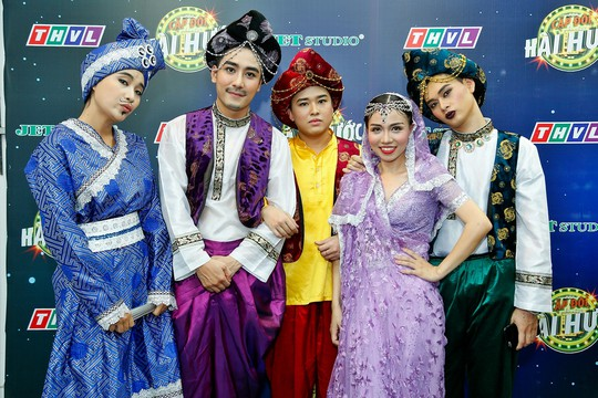 Huy Nam – Hải Yến và các bạn diễn khách mời