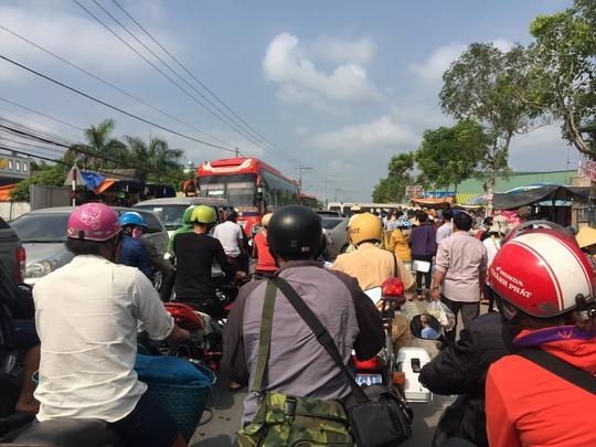 Hàng chục cảnh sát được huy động điều tiết giao thông nhưng không xuể